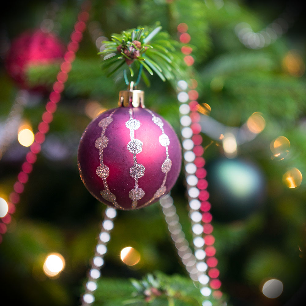 christmas-bauble-tree-festive-present-santa-holly-event